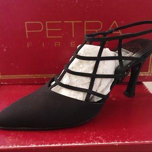 Petra Firenze ITALY NEW Black Crepe Heels  6M
